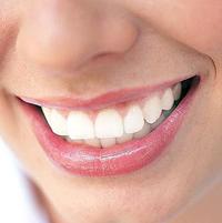 Как отбелить зубы в домашних условиях.