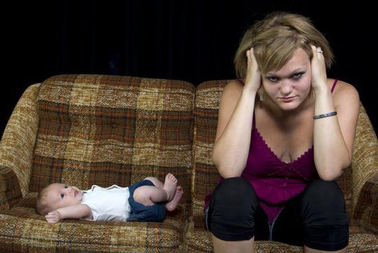 Послеродовая депрессия: симптомы
