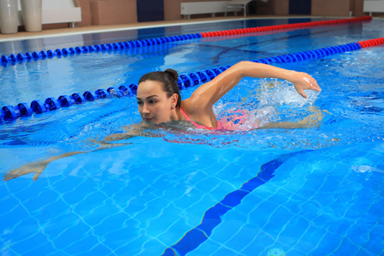 Аквааэробика или фитнес? Чем полезно каждое занятие?